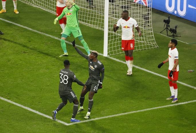Ngược dòng muộn màng, Man United bị đá văng khỏi Champions League - Ảnh 8.
