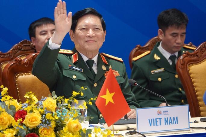 Bộ trưởng Quốc phòng ASEAN nhấn mạnh cam kết về Biển Đông - Ảnh 1.
