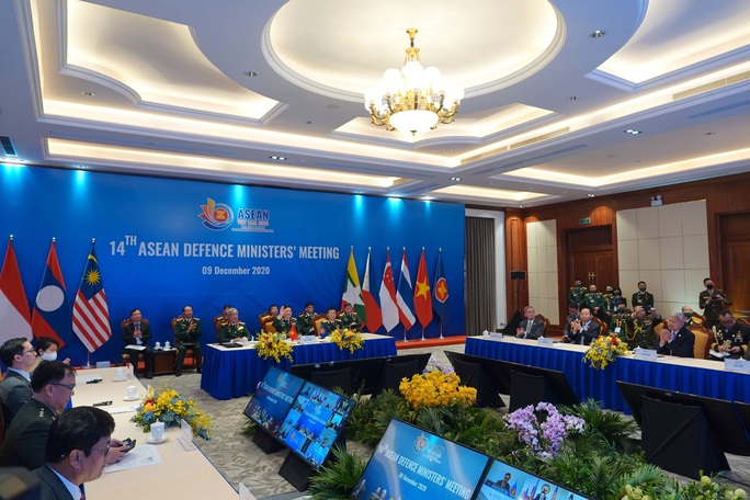 Bộ trưởng Quốc phòng ASEAN nhấn mạnh cam kết về Biển Đông - Ảnh 4.
