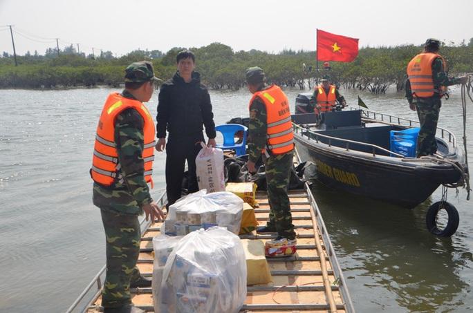 Phát hiện các vụ vận chuyển trái phép hàng chục ngàn khẩu trang y tế từ Việt Nam sang Trung Quốc - Ảnh 1.