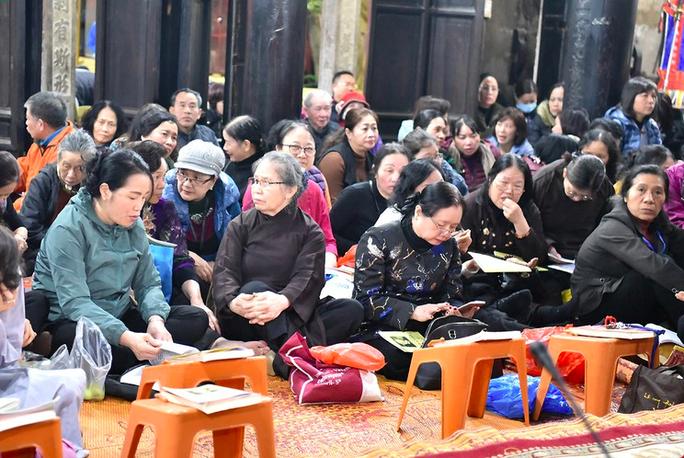 Giáo hội Phật giáo Việt Nam yêu cầu tạm dừng tổ chức lễ hội tại các chùa trên toàn quốc - Ảnh 1.