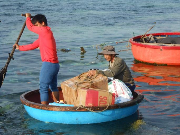 Ngư dân đảo tiền tiêu hồ hởi vươn khơi mùa biển mới - Ảnh 2.