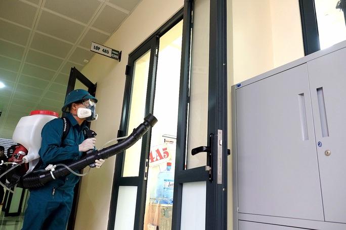 Giám đốc Sở GD-ĐT Hà Nội: Học sinh đi học trở lại ngày 2-3 tới nếu không có gì thay đổi - Ảnh 2.