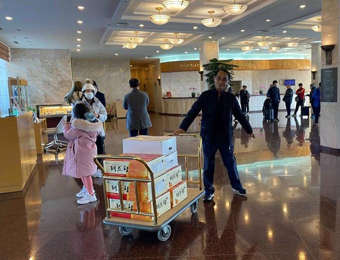 Vừa về Hàn Quốc, HLV Park Hang-seo lập tức viện trợ cho đội tuyển nữ Việt Nam - Ảnh 1.