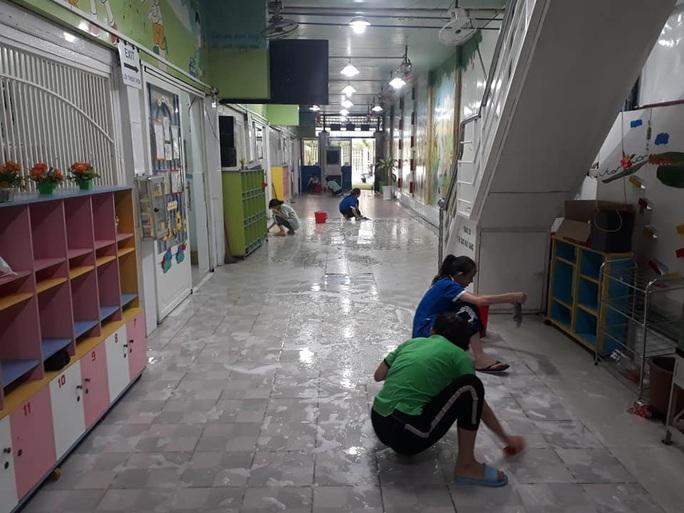 TP HCM: Không tính vào ngày nghỉ với học sinh có biểu hiện viêm đường hô hấp do virus Corona - Ảnh 1.