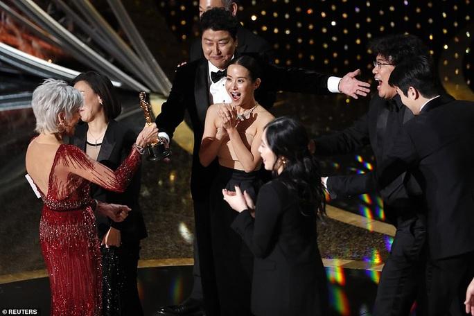 Đạo diễn Ký sinh trùng Bong Joon Ho và đủ cung bậc cảm xúc - Ảnh 12.