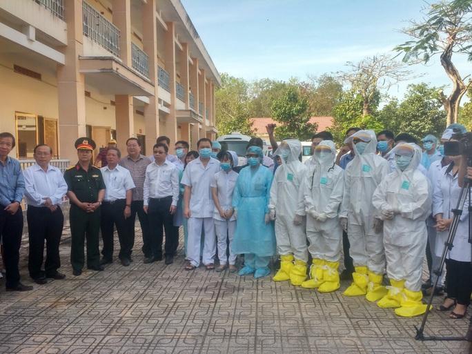 Bệnh viện dã chiến TP HCM sẵn sàng tiếp nhận ca nhiễm corona - Ảnh 8.