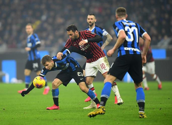 Ibrahimovic đua tài Lukaku, AC Milan thua sốc trận derby Milan - Ảnh 2.