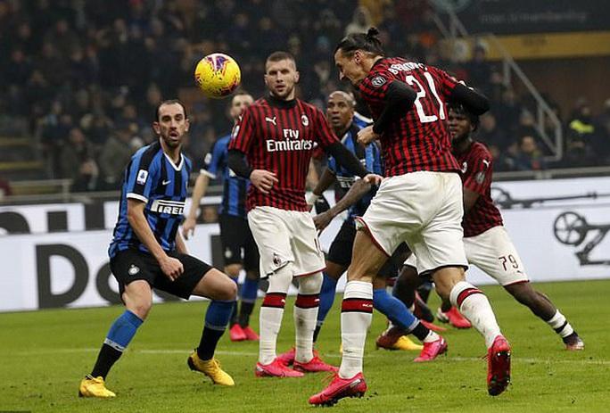 Ibrahimovic đua tài Lukaku, AC Milan thua sốc trận derby Milan - Ảnh 6.