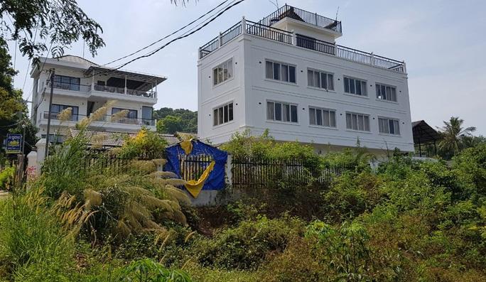 Công an đề nghị xử lý nhóm người bao chiếm nhà trái phép ở Phú Quốc - Ảnh 2.
