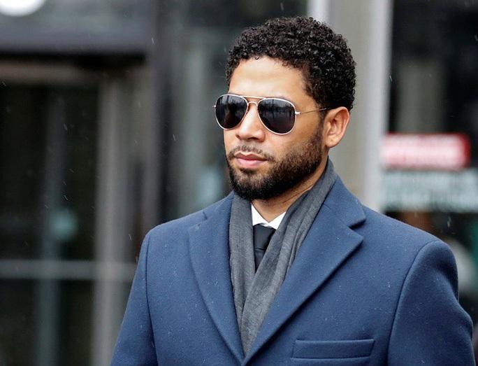 Diễn viên bị nghi tự thuê người hành hung mình lại bị buộc tội - Ảnh 2.
