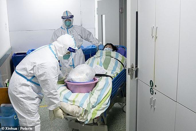 Vũ Hán: Những bệnh nhân còn thê thảm hơn người nhiễm Covid-19 - Ảnh 1.