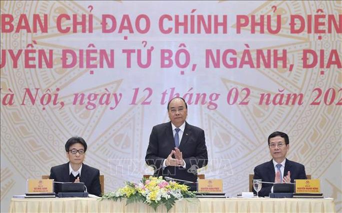 Thủ tướng: Xây dựng chính phủ điện tử, không để bộ máy phình ra, thủ tục phức tạp hơn - Ảnh 4.