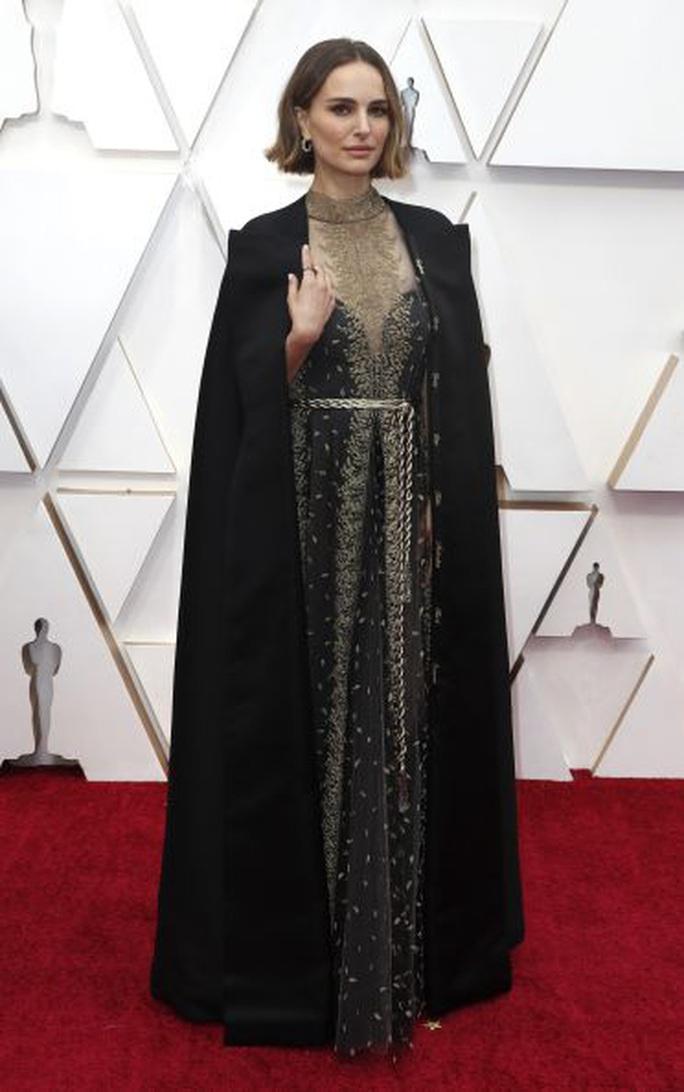 Thiên nga đen Natalie Portman phản bác chỉ trích giả tạo - Ảnh 2.