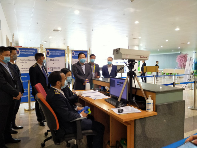 Đưa hơn 1.000 khách Trung Quốc bị kẹt bởi dịch Covid-19 từ Đà Nẵng, Nha Trang, Phú Quốc về nước - Ảnh 3.