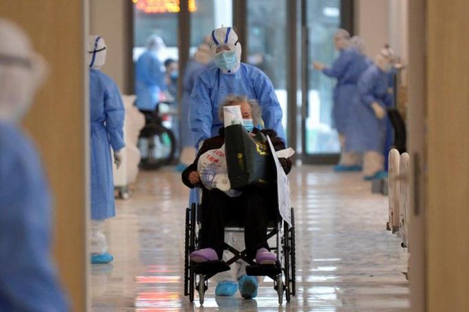 Covid-19: Trung Quốc lý giải vì sao ca tử vong tăng vọt, thêm 242 ca sau một ngày - Ảnh 1.
