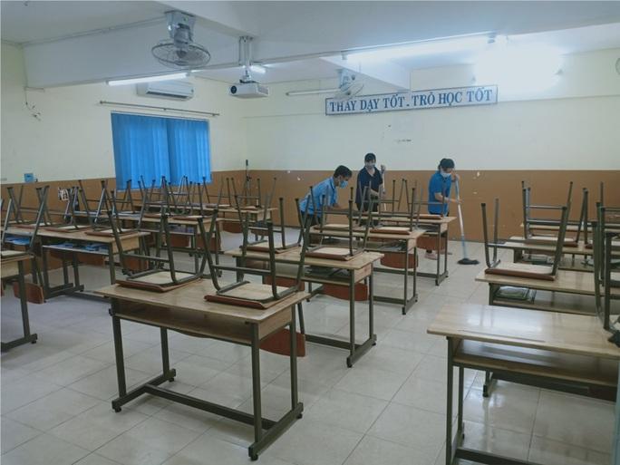 Có nên cho học sinh đi học trở lại trong dịch Covid-19? - Ảnh 1.