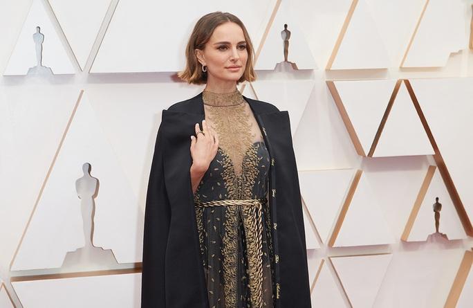 Thiên nga đen Natalie Portman phản bác chỉ trích giả tạo - Ảnh 1.