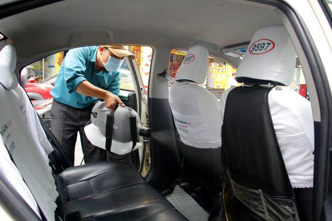 Nhân viên văn phòng Vinasun tự nguyện giảm lương để chia sẻ khó khăn với lái xe taxi - Ảnh 3.