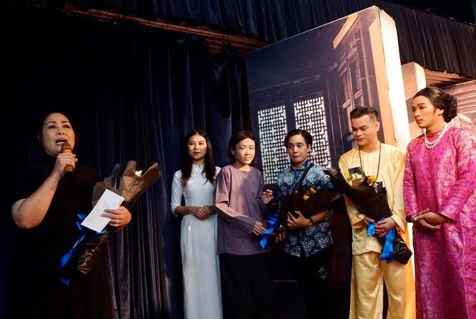 NSND Hồng Vân xúc động báo tin diễn viên trẻ Phương Trang đột ngột qua đời - Ảnh 2.