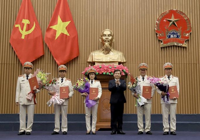 Công bố quyết định của Chủ tịch nước Nguyễn Phú Trọng về công tác cán bộ - Ảnh 1.