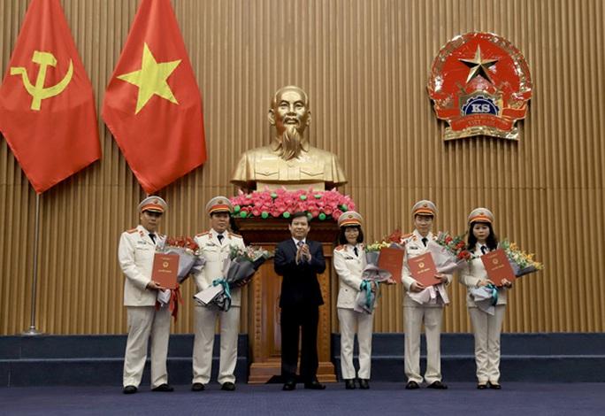 Công bố quyết định của Chủ tịch nước Nguyễn Phú Trọng về công tác cán bộ - Ảnh 2.