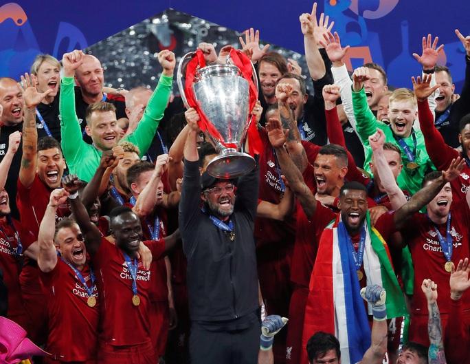 Giật giải thưởng cao quý, HLV Jurgen Klopp buông lời mỉa mai Man United - Ảnh 2.