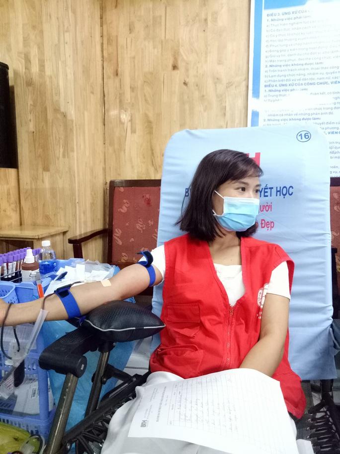 Quận Thủ Đức TP HCM hiến máu vượt tuyến mùa Covid-19 - Ảnh 1.