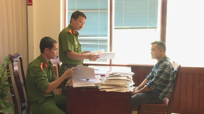 Nhóm đối tượng từ Hải Phòng vào Đắk Lắk cho vay lãi suất cắt cổ, hơn 243%/năm - Ảnh 1.