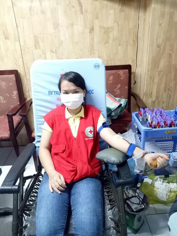 Quận Thủ Đức TP HCM hiến máu vượt tuyến mùa Covid-19 - Ảnh 3.