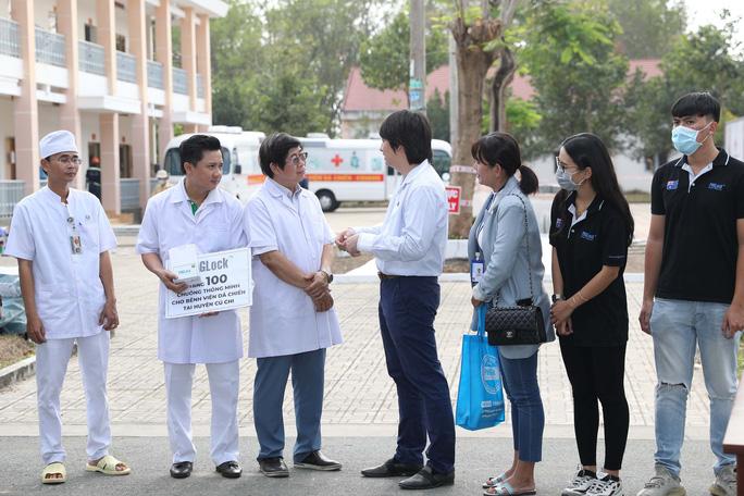 Trang bị mắt thần cho bệnh viện dã chiến TP HCM - Ảnh 11.