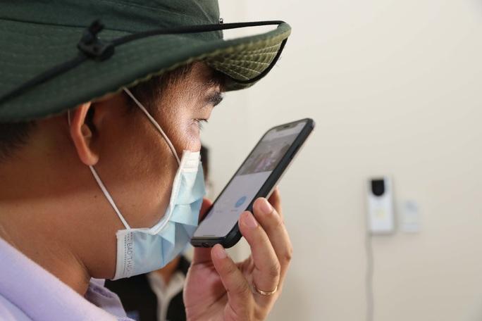 Trang bị mắt thần cho bệnh viện dã chiến TP HCM - Ảnh 10.