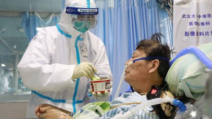 Châu Âu ghi nhận ca tử vong đầu tiên do virus Covid-19 - Ảnh 2.