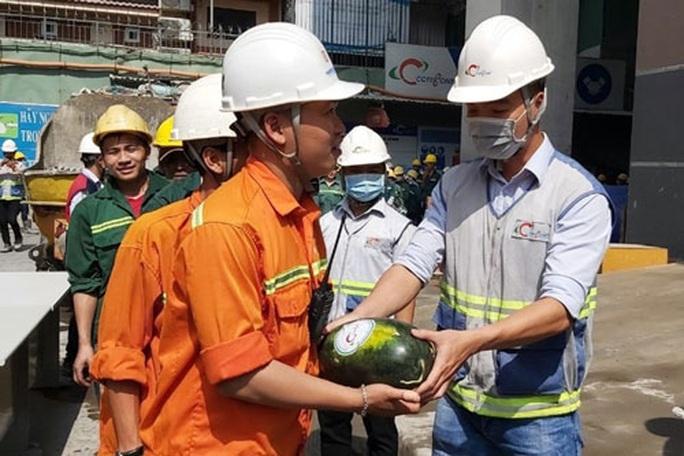Hỗ trợ tiêu thụ 25 tấn dưa hấu của nông dân - Ảnh 1.