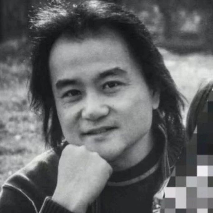 Di thư cảm xúc của đạo diễn Trung Quốc có 3 người thân tử vong vì Covid-19 - Ảnh 1.