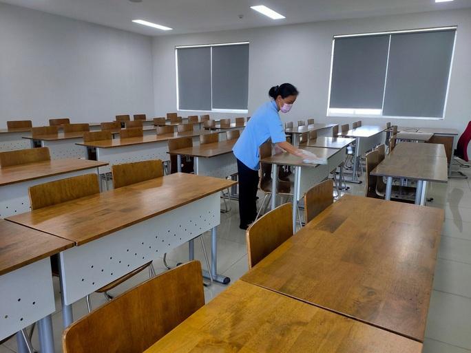 Sở GD-ĐT TP HCM kiến nghị nghỉ học hết tháng 3, dời kỳ thi THPT quốc gia đến cuối tháng 7 - Ảnh 1.