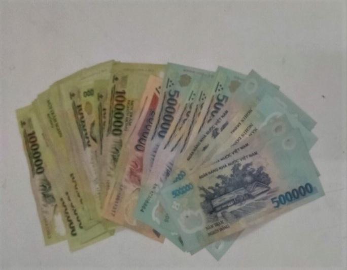 Đà Nẵng: Bắt nữ quái trộm tiền người nhà bệnh nhân và bác sĩ  tại bệnh viện - Ảnh 2.