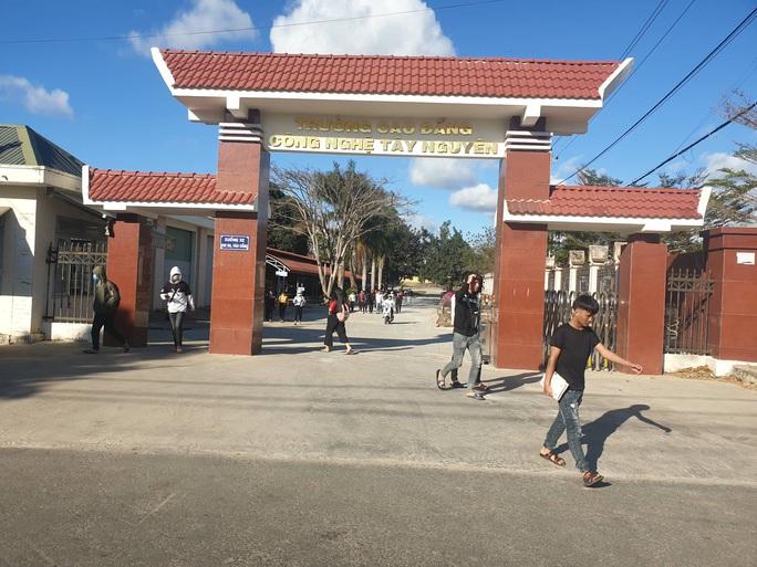 Đắk Lắk: Hàng loạt trường vẫn tổ chức học tập - Ảnh 2.