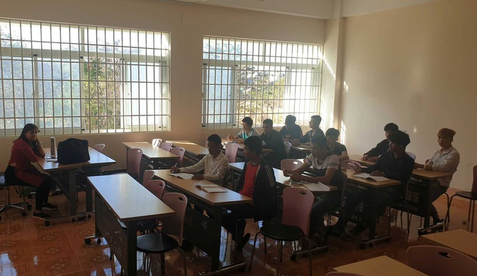 Đắk Lắk: Hàng loạt trường vẫn tổ chức học tập - Ảnh 1.