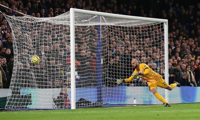 Man United đại phá Chelsea, thắng 2-0 ở Stamford Bridge - Ảnh 4.