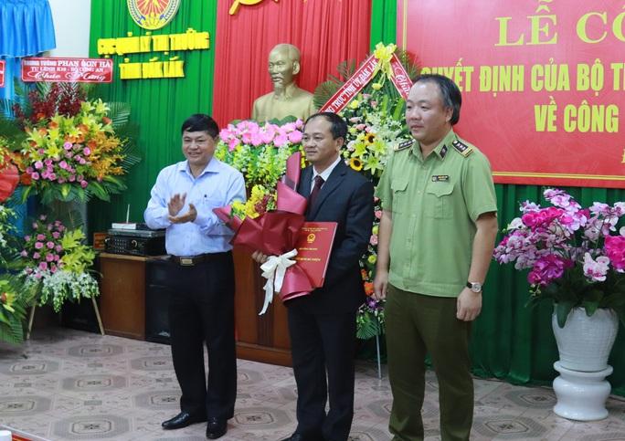 Một thạc sĩ An ninh nhân dân làm Cục trưởng Cục QLTT Đắk Lắk - Ảnh 1.