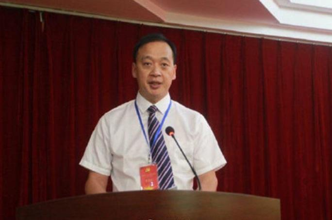 Covid-19: Sau rối loạn thông tin, Trung Quốc xác nhận giám đốc bệnh viện ở Vũ Hán tử vong - Ảnh 1.