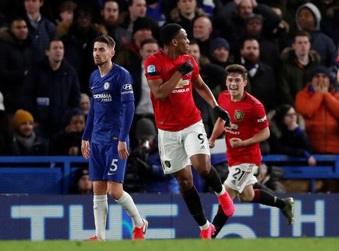 Man United đại phá Chelsea, thắng 2-0 ở Stamford Bridge - Ảnh 5.