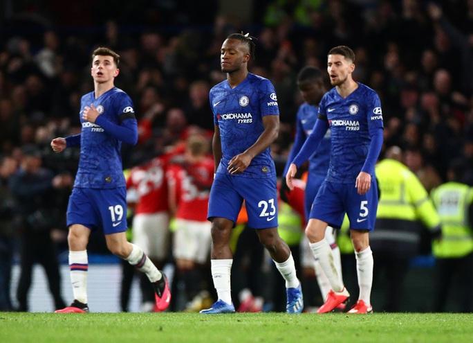 Man United đại phá Chelsea, thắng 2-0 ở Stamford Bridge - Ảnh 2.