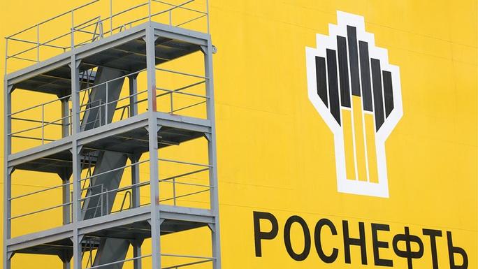 Mỹ trừng phạt gã khổng lồ dầu mỏ của Nga - Ảnh 1.