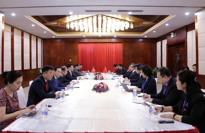 Phó Thủ tướng Phạm Bình Minh gặp Ngoại trưởng Trung Quốc Vương Nghị - Ảnh 2.