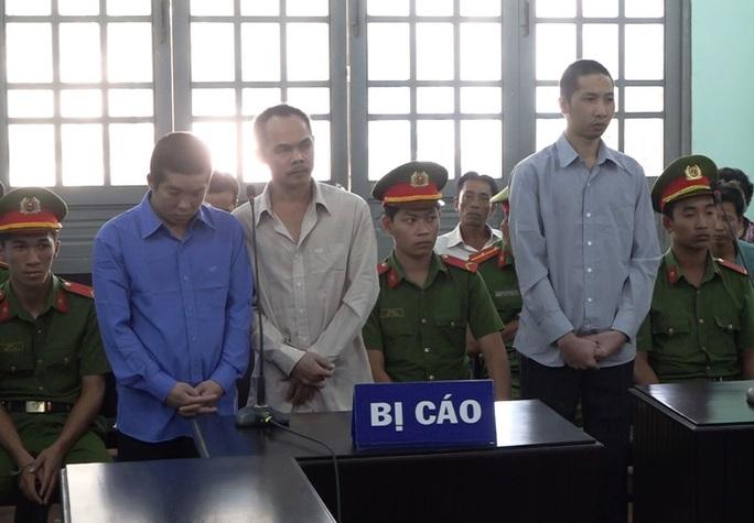Trộm 13 con gà đá, 5 bị cáo chia nhau 36 tháng tù - Ảnh 1.