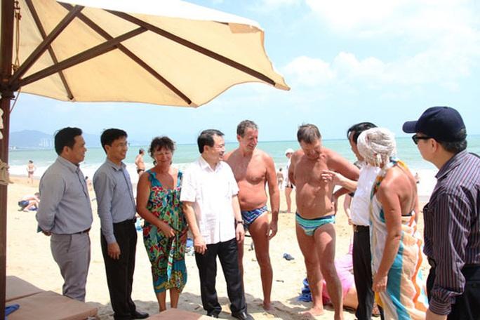 Nhiều du khách trở lại Việt Nam - Ảnh 1.
