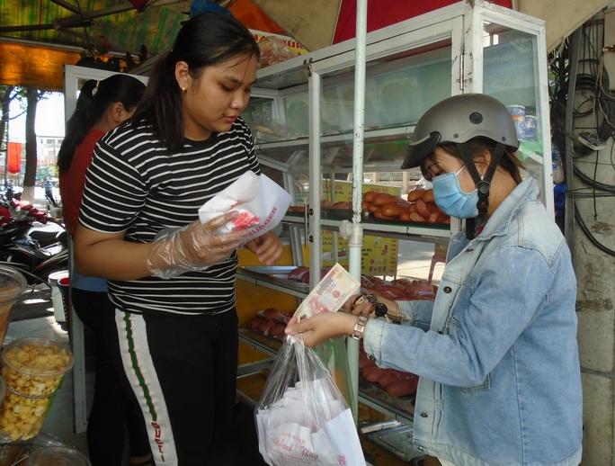 Bánh mì thanh long nở rộ tại Bình Thuận - Ảnh 3.