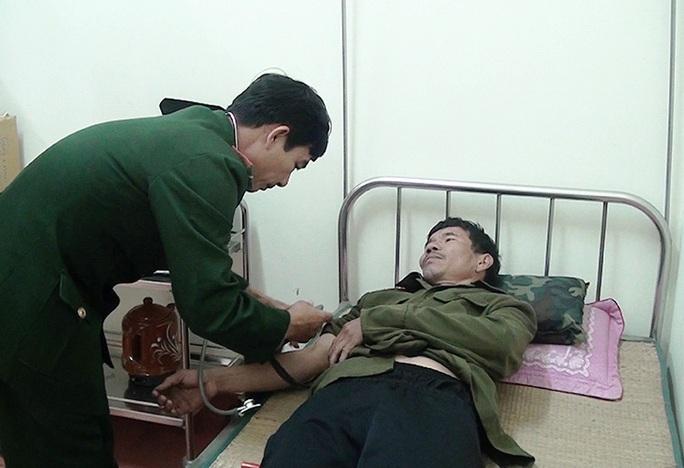 Tàu cá chìm ở Quảng Bình, 1 ngư dân mất tích - Ảnh 2.